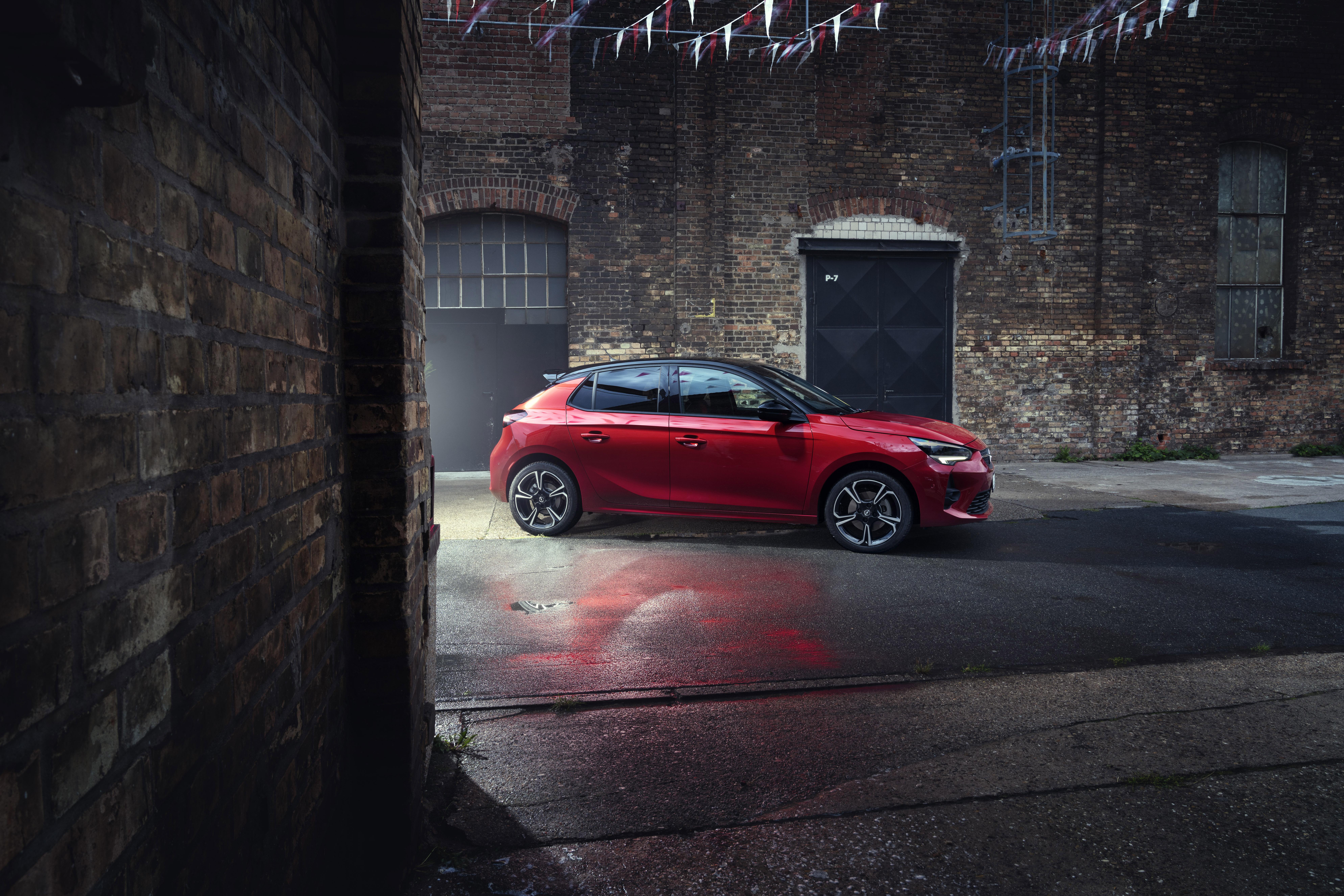 Opel Grandland X Hybrid, SUV ibrido plug-in a trazione anteriore con Ecobonus