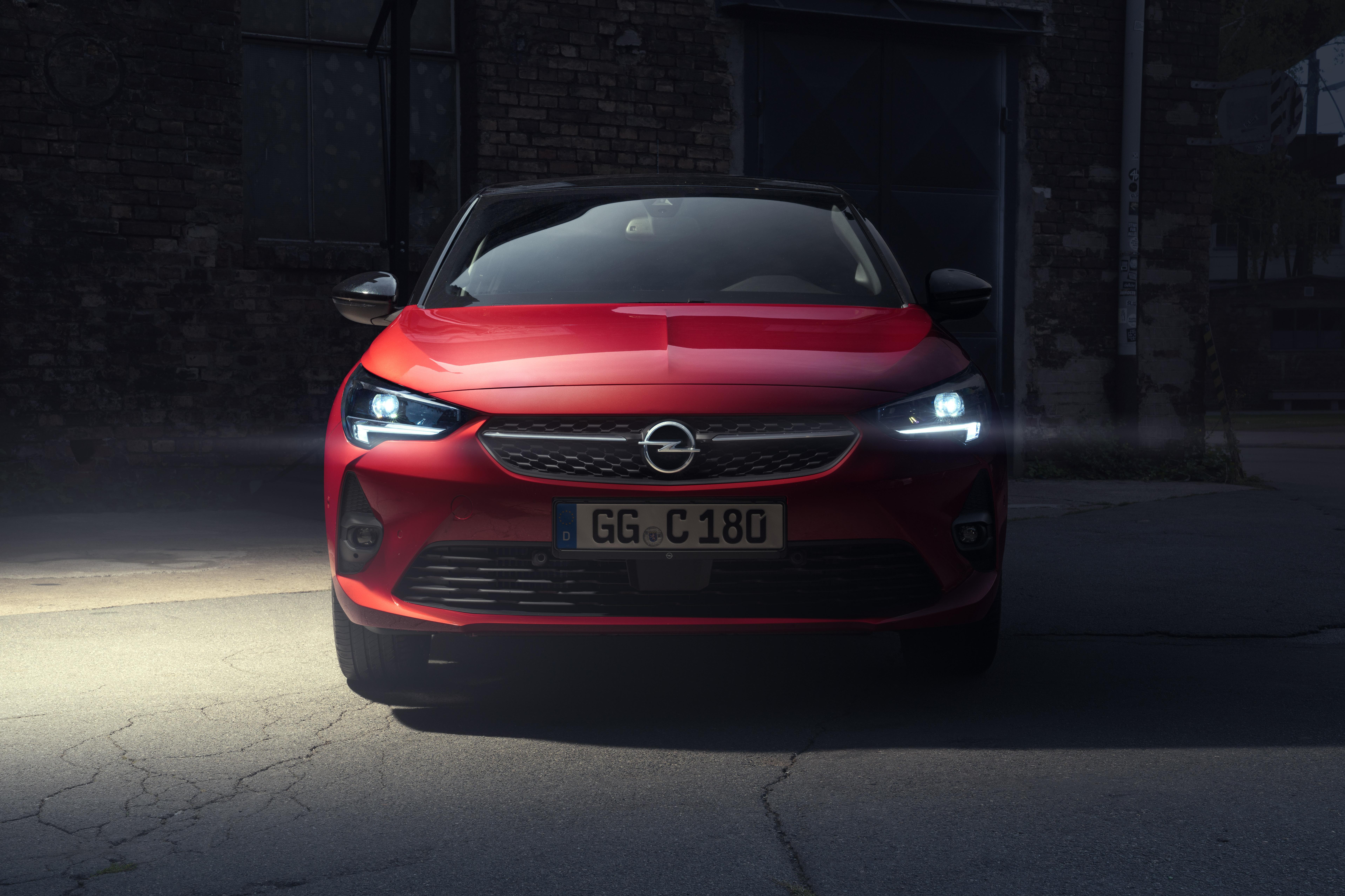 Opel Grandland X Hybrid Plug-in, debutta la versione con trazione anteriore